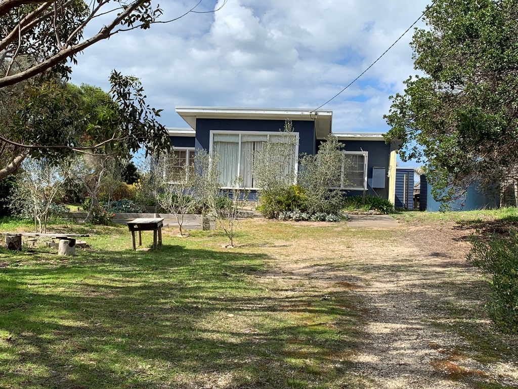137 Seventh Avenue, Paradise Beach